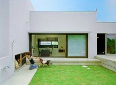 Google Image Result for http://www.globalanimal.org/wp-content/uploads/2012/01/low-window-for-outdoor-dog-house.jpg