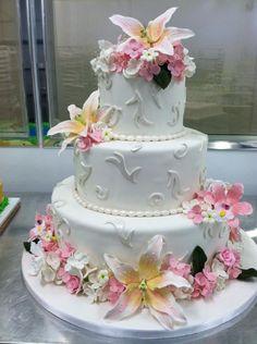 Beautiful wedding cake by Carlo's Bakery (The Cake Boss).