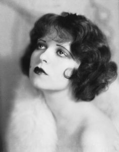 "Clara Bow, the original ""It Girl"" was a famous silent film era star. She was known for her red curls. Check out the bangs. Look Vintage, Vintage Beauty, Vintage Hairstyles, Bob Hairstyles, 1920s Womens Hairstyles, Flapper Hairstyles, Short Curly Hair, Curly Hair Styles, 1920 Makeup"