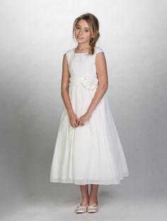 Girls off white flower girl dress £29.99