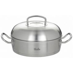 """Fissler Round Roaster Original Pro Collection. Our 11"""" (28cm) Round Roaster has a large capacity of 5.0qt (4.7ltr) and features a special, tight closing dome-shaped lid to ensure that your roast stays really juicy."""