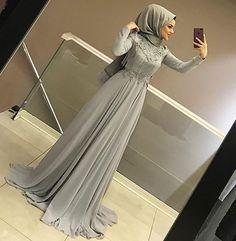 Görüntünün olası içeriği: 1 kişi, ayakkabılar hijab fashion in 2019 hijab d Hijab Prom Dress, Hijab Evening Dress, Muslim Dress, Evening Dresses, Prom Dresses, Hijab Fashionista, Hijab Chic, Hijabi Gowns, Hijab Stile