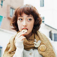 kraso [クラソ]|長野のお菓子屋 開運堂さんと作った 何かいいことありますように ピン&クリップの白鳥ブローチの会|フェリシモ Japan