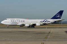 Air France Boeing 747-400 in Skyteam colours (maybe)