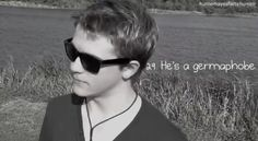 """Hunter Hayes Facts! hehe """"I'm not wearing these glasses anymore thou"""" lol"""