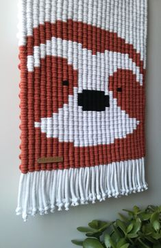 Sloth - cute macrame animals / fiber art for kids / handmade knotted wall decor / kids room and nursery wall hanging Tapestry Weaving, Loom Weaving, Hand Weaving, Macrame Wall Hanger, Weaving Wall Hanging, Yarn Animals, Animal Fibres, Macrame Patterns, Diy Arts And Crafts