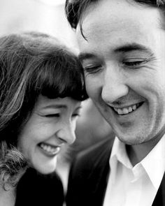 Joan and John Cusack I'm not much for keeping up with actors, but I really like these two. They just seem like fun people. Fritz Lang, Actrices Hollywood, We Are The World, Look At You, Famous Faces, Celebrity Photos, Celebrity Siblings, Make Me Smile, Movie Stars