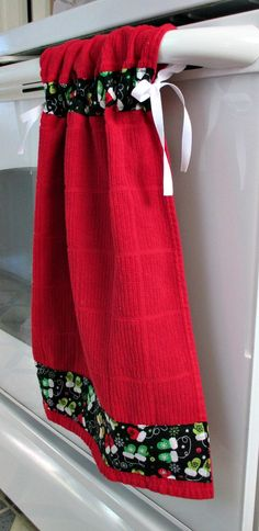Tie Top Towels Red Kitchen Cotton Towel Accented With White Arrows On Black  Fabric; Attaches To Stove Handle. Ties With Ribbon | Red Kitchen, Cotton  Towels ...