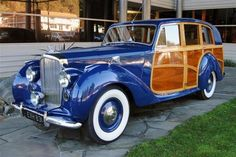 "1949 Bentley Mark VI Woody Station Wagon ~ Mik's Pics ""Era Automobiles l"" board Station Wagon, Vintage Cars, Antique Cars, Woody Wagon, Bentley Car, Volkswagen, Old Trucks, Hot Cars, Retro"