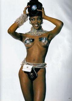 casual friday lookbook  #tgif    naomi campbell  irving penn  vogue, march 1992  oribe  mary greenwell  styled by carlyne cerf de dudzeele    #casualfriday #friday #naomicampbell #oribe #oribehair #marygreenwell #makeup #maquiagem #maquillaje #irvingpenn #carlynecerfdedudzeele #stylist #potd #photoshoot #vogue #magazine #covergirl #blackmodelsrock #blackgirlmagic #melaninmagic #mua #makeupartist #hairspo #hair #editorial #fashion #fashionphotography #modellife #friyay