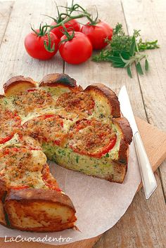 Pie bread, zucchini and tomatoes