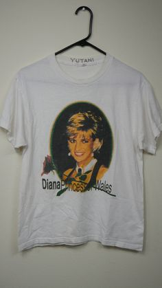 Late Princess Diana of Wales Vintage Pop Culture Icon Classic Bootleg Tribute T-Shirt Hit The Floors, Funny Cartoons, Vintage Tees, Princess Diana, Wales, Pop Culture, Vintage Outfits, Classic, Mens Tops