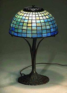 PLAIN SQUARES GEOMETRIC TIFFANY LAMP