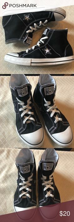 Converse 'one star' High Tops Chuck Taylor Black Canvas High Top Shoes. In great condition. 6 in mens 8 in womens. Converse Shoes Sneakers