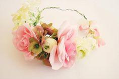 DIY Floral Crown Nail Art Blog, Diy Crown, Floral Crown, Diy Tutorial, Paper Flowers, Wedding Flowers, Dream Wedding, Floral Wreath, Diy Crafts