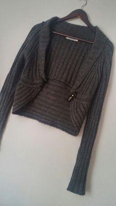 Bolerko\ sweter zapinany na klamre Sweaters, Fashion, Moda, Fashion Styles, Sweater, Fashion Illustrations, Sweatshirts, Pullover Sweaters, Pullover