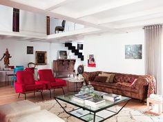 Heranças tradicionais em um apê moderno. Veja: http://www.casadevalentina.com.br/blog/detalhes/herancas-tradicionais-no-ape-moderno-3104 #decor #decoracao #interior #design #casa #home #house #idea #ideia #detalhes #details #style #estilo #casadevalentina #livingroom #saladeestar