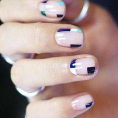 decoración uñas, diseño simple con detalles de cuadrados azules Nails, Beauty, Simple Designs, Nailed It, Squares, Nail Designs, Gel Nails, Blue Nails, Colors