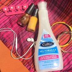 Cutex SPA Formula is designed to clear hard-to-remove nail polish while leaving nails feeling nourished and healthy!