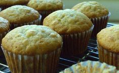 trying to find a great banana cupcake recipe, for when I can't make it to @Butter Lane - going to play with it a bit!