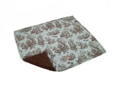 AlphaPooch Sleeper Pet Blanket, Celedone Toile Fabric with Fleece, Large - http://www.thepuppy.org/alphapooch-sleeper-pet-blanket-celedone-toile-fabric-with-fleece-large/