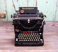 Remington 1917 Standard Number 10 Typewriter by esther2u2 on Etsy, $135.00