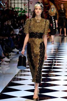 Dolce & Gabbana Fall 2016 Ready-to-Wear Fashion Show - Camille Hurel