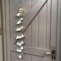 Blij om dit item uit mijn #etsy shop te delen: Ceramic Wallhanging - White Porcelain Bells - Handmade Home Decor - Unique Garden Decor - Artisan Gift - One of a a Kind Gift - Artful Gift Unique Garden, Clay Projects, Wind Chimes, Project Ideas, Ornament, Outdoor Decor, Home Decor, Etsy, Decoration