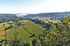 In this valley of the Dordogne, the first prehistoric men settled here. The Lascaux cave is located in the region. The National Prehistory Museum was founded in the valley, Les Eyzies de Tayac Sireuil. © lamio - Fotolia.com