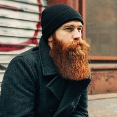 From full thick nice beards to trendy waxed moustache styles, these beard styles and facial hair looks for men will flatter your face and have you feeling stylish. Long Beard Styles, Beard Styles For Men, Hair And Beard Styles, Viking Beard Styles, Red Beard, Ginger Beard, Hipster Bart, Style Hipster, Bart Styles
