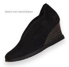 Tykak in noir nubuck & glove