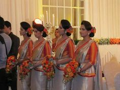 Sri Lankan Bridesmaid attire for a kandyan bride.