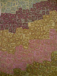 Résultat d'images pour sophie digard Diy Crochet And Knitting, Crochet Quilt, Crochet Art, Crochet Squares, Crochet Motif, Crochet Shawl, Crochet Flowers, Crochet Patterns, Scarf Patterns