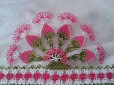 iğne oyası havlu kenarı modelleri Crochet Borders, Crochet Patterns, Cross Stitch Needles, Linen Towels, Needle Lace, Fabric Art, Needlepoint, Tatting, Needlework
