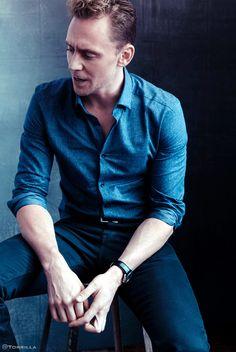 Tom Hiddleston photographed by Austin Hargrave during TIFF 2015 on September 13, 2015. Source: Torrilla. Click here for full resolution: http://ww4.sinaimg.cn/large/6e14d388gw1f8iphezrugj20mb0xc0zl.jpg
