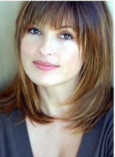 Picture of Mariska Hargitay Medium Length Hair With Bangs, Medium Layered Hair, Medium Hair Cuts, Short Hair Cuts, Medium Hair Styles, Short Hair Styles, Haircuts For Fine Hair, Hairstyles With Bangs, Straight Hairstyles