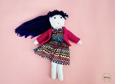 Amaryllis from Ohoh Blog shows how you can make a soft fabric doll like this one out of a pair of socks.  It's a fun project you can make with the kids on a lazy afternoon.  And after you mak…