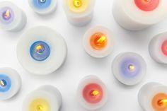 Vela muda de cor e libera aromas conforme queima - Sunset Candles, Estúdio Nendo design;