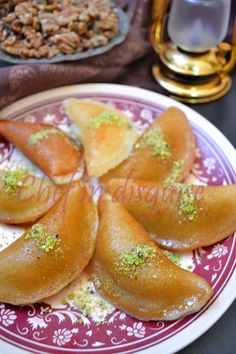Atayef (Kataif), the ultimate Arabic pancake Ramadan Mubarak to all my wonderful readers who observe Ramadan 🙂 Today is the second day of the month of Ramadan.I wrote a little about Ramadan last year and I am hoping to explain more this year… Lebanese Desserts, Lebanese Cuisine, Lebanese Recipes, Middle East Food, Middle Eastern Desserts, Ramadan Desserts, Ramadan Recipes, Ramadan Food, Arabic Dessert