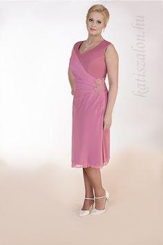 bcaa87dfb5 A(z) Alkalmi ruhák nevű tábla 37 legjobb képe   Bride groom dress ...
