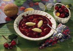 Fruchtsuppe mit Grießklößchen Rezept | LECKER Superfood, Number Cakes, Nutrition Plans, Food Design, Cherry, Soup, Sweets, Fruit, Desserts