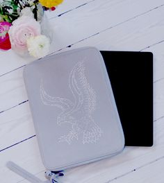 Give you iPad case a lift with Ellen Eagle from LilyJoe!