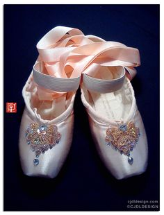 toe shoes {embellished demi-pointe}