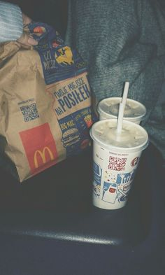 Nights with him. Food N, Diy Food, Food And Drink, Food Snapchat, Instagram And Snapchat, Picnic Date Food, Best Junk Food, Mcdonalds Gift Card, Sleepover Food