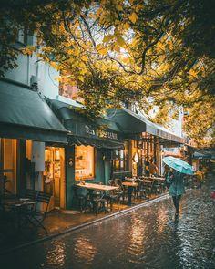 Even in the rain Istanbul's still the most beautiful city in the world! Autumn Rain, Autumn Cozy, Autumn Aesthetic, City Aesthetic, Rain Photography, Street Photography, White Photography, I Love Rain, Rain Days