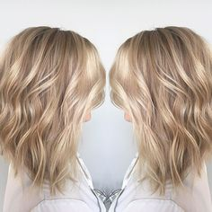 Where's the ☀️  this Sandy Blonde is perfection ✨. Who's ready for the beach?  I'll be posting a video of this color technique soon on my YouTube.  Follow @hairbybradleyleake  l#Behindthechair#olaplex #modernsalon#hairbybradleyleake#myouai