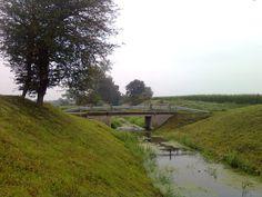 Most na Kanale Staświńskim przed Siedliskami. Widok w kierunku zachodnim.