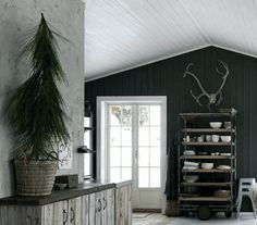 Big Game Hunting, Winter Cabin, Nordic Home, Cabin Ideas, Interior Decorating, Cottage, Rooms, Interiors, Furniture
