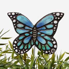 Ceramic butterfly garden art. Monarch butterfly garden decor. Turquoise. www.gvega.com.