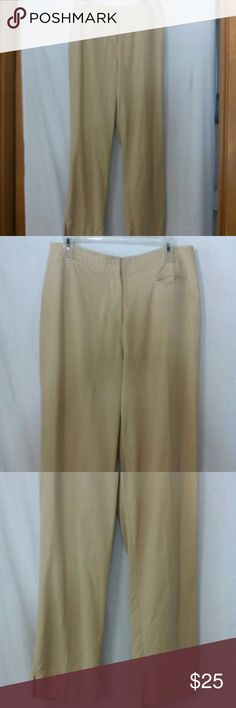 """J. JILL Women's size 10 Cropped pants Capri Barely worn, tan, zipper with an inside metal closure and anchor button, one front slit coin pocket, genuine fit at waist, rayon, polyester and other fiber, waist 33"""", front rise 10"""", inseam 24"""" J. Jill Pants Capris"""